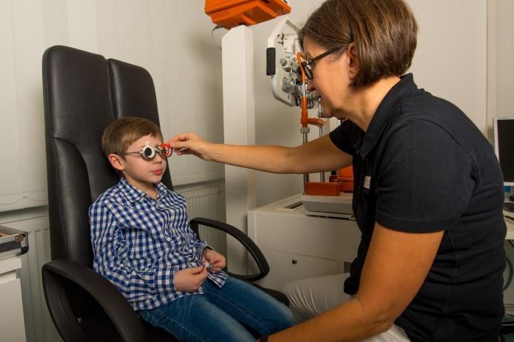 Anpassung Brillengläser Augenarztpraxis Rheydt Vision100 die Augenärzte